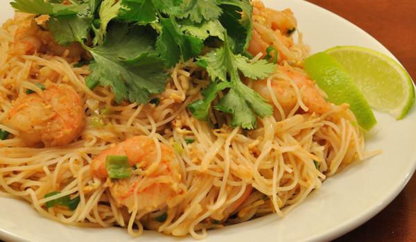 pad thai crop pad thai