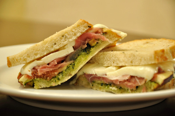 Warm Fig, Pesto, Mozzarella & Prosciutto Sandwiches | Life With The ...