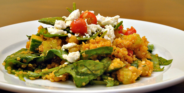 DSC 4724 meatless monday | quinoa, chickpea & spinach salad with smoked paprika dressing