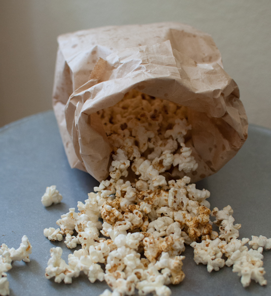 DSC 6798 easy, seasoned microwave popcorn